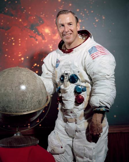 Jim Lovell, Astronaut