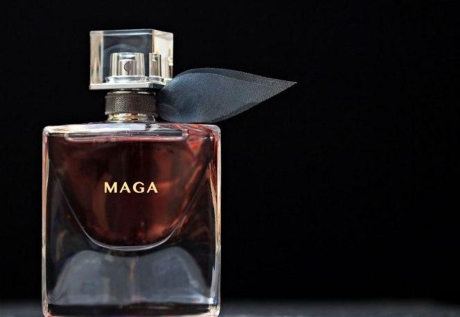 Trump-is-Selling-Urine-Scented-Perfume-MAGA
